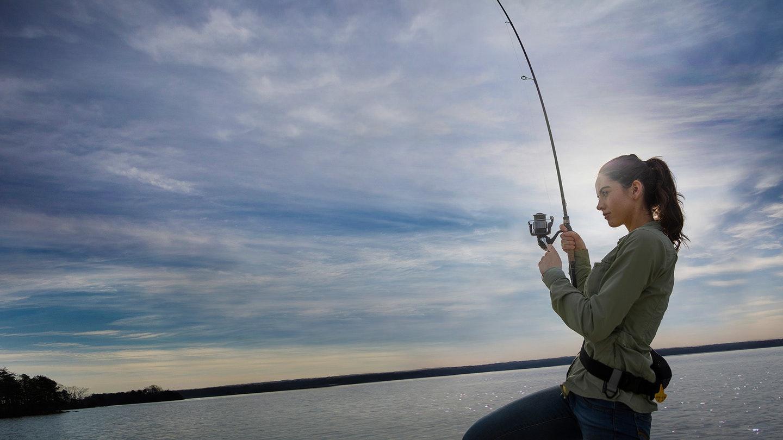 chica-pescando
