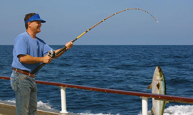 pesca-desde-embarcación